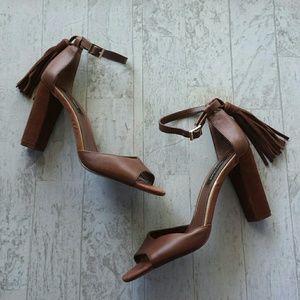 White House Black Market Elly Heels Size 10